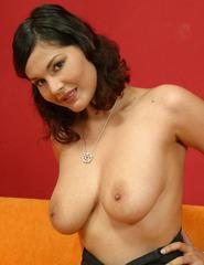 Elvira nude - 06