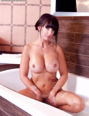 Catalina Cruz Naked Taking A Hot Bath - 00
