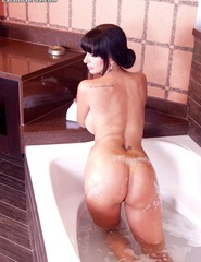 Catalina Cruz Naked Taking A Hot Bath - 05