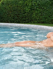 Anastasia Large Tits From Bikini Outdoors - 12
