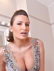 Sensual Jane Unveiling Large Boobs - 02