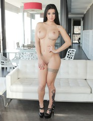Lucy Perfect Body - 00