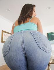 Nice Round Ass In Denim - 04