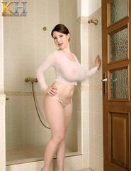 Karina Hart Wet Photos - 01