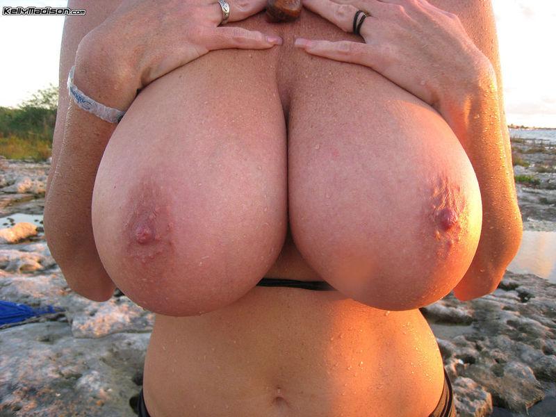 Big tits and splits