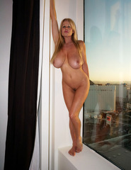 Kelly Madison Hotel Room - 03