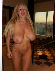 Kelly Madison Hotel Room - 14