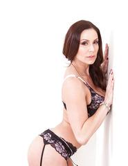 Brunette Babe Kendra Lust - 02