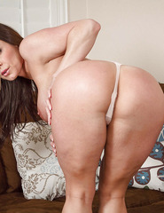 Kendra Lust Shows Off Her Naked Body - 08