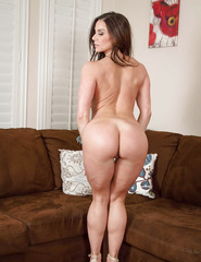 Kendra Lust Shows Off Her Naked Body - 13