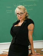 Teacher Milf Holly - 00