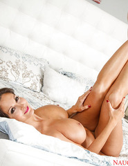 Ava Addams Demonstrates Her Naked Body On The Bed - 14