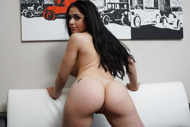 Latina Babe With Huge Tits - 11