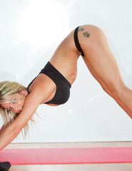 Nikki yoga - 01