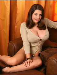 Erica busty pinupgirl - 01