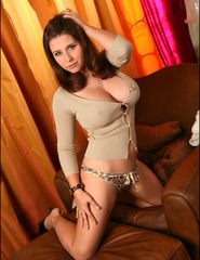 Erica busty pinupgirl - 03