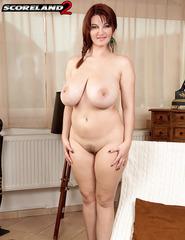 Busty Vanessa V - 15