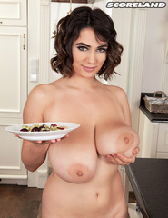 Alexya Is A Kitchen Fairy - 14