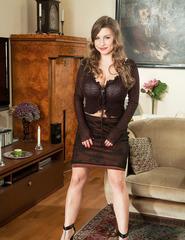 Curvy Samantha Lily In High Heels - 01