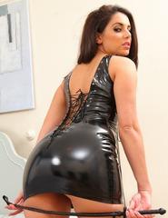 Layla In Black Latex - 01