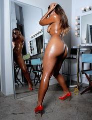 Tiara behind the mirror - 05