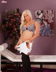 Blonde Chloe Dee - 02