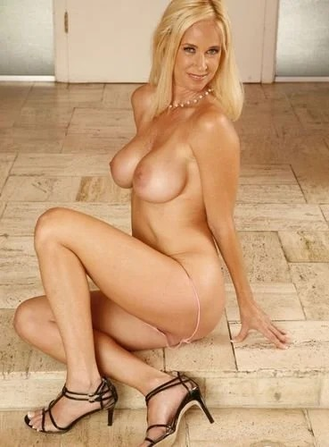 Blonde Tabitha