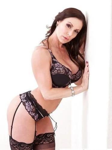 Brunette Babe Kendra Lust