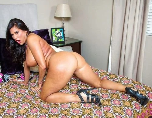 Sheila Marie Reveals Her Latina Big Tits