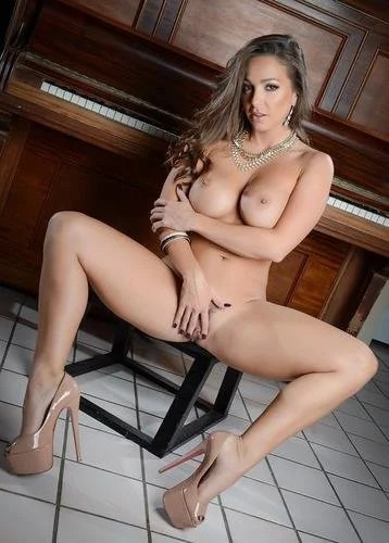 Abigail Mac Piano