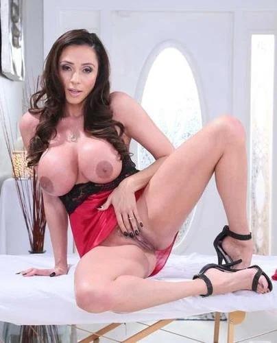 Busty Latina Milf Ariella Ferrera