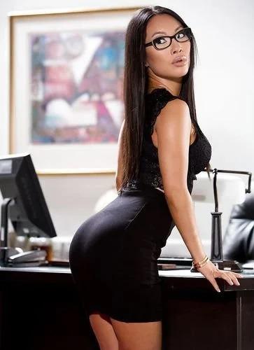 Asa Sexy Secretary