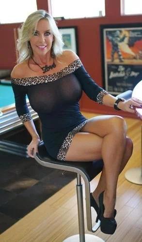 Kinky Blonde Wifey Showing Tits