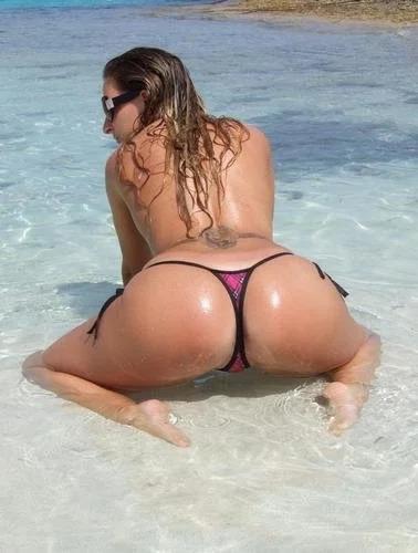 Bobbie In The Sand