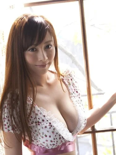 Busty Asian Beauty Anri Sugihara