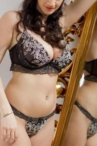 Cara Ruby Mirror Posing Spinchix