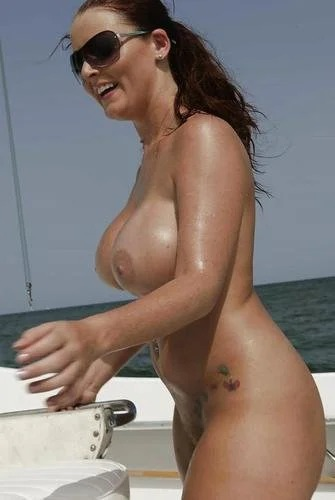 Sophie Dee Shows Her Wet Boobs