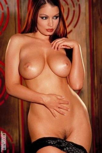 Aria nude