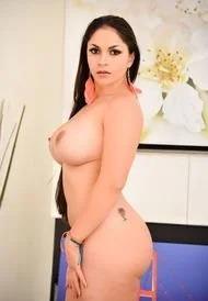 Marta In Yoga Pants