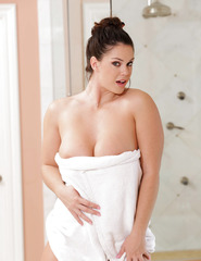 Bath Time For AlisonTyler - 10